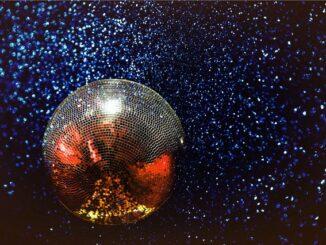 Discokuglen er uundværlig til discofesten!